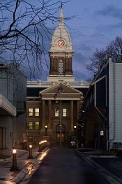 Ingham_county_courthouse_night